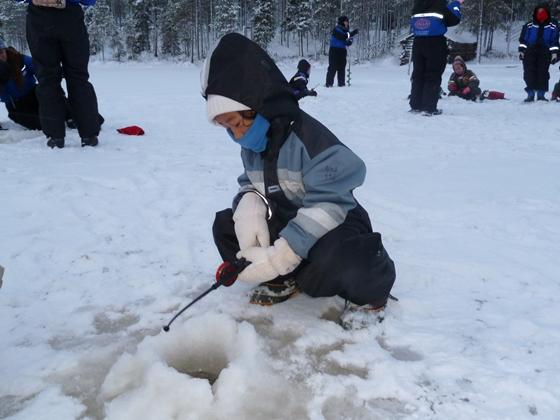 salla pesca con hielo laponia